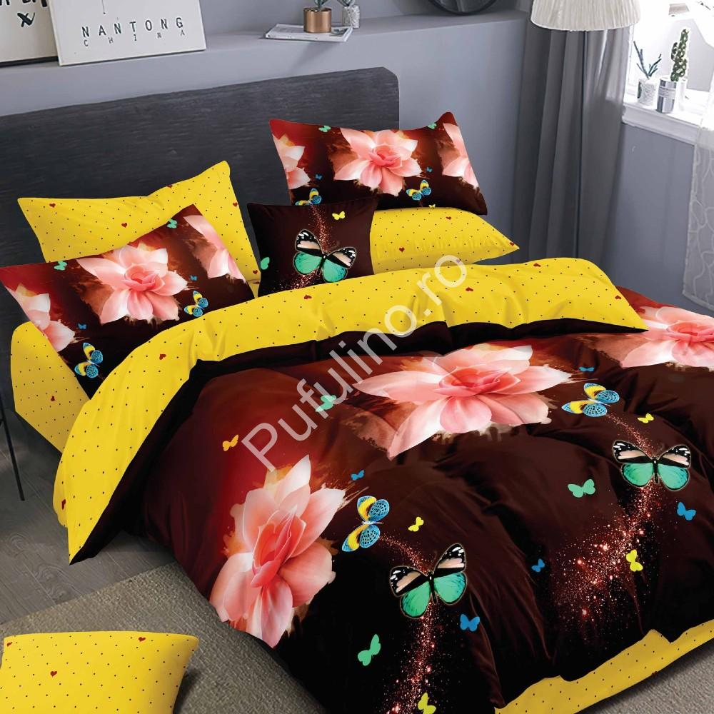 lenjerie de pat maro cu flori si 2 fete