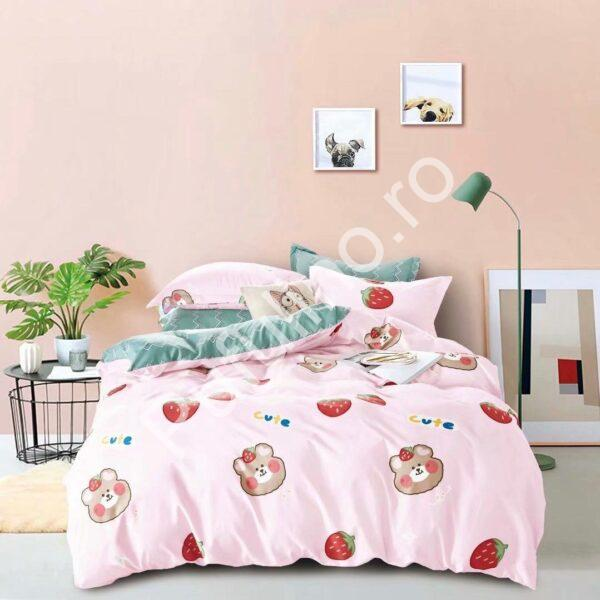lenjerie de pat roz cu ursuleti si capsuni