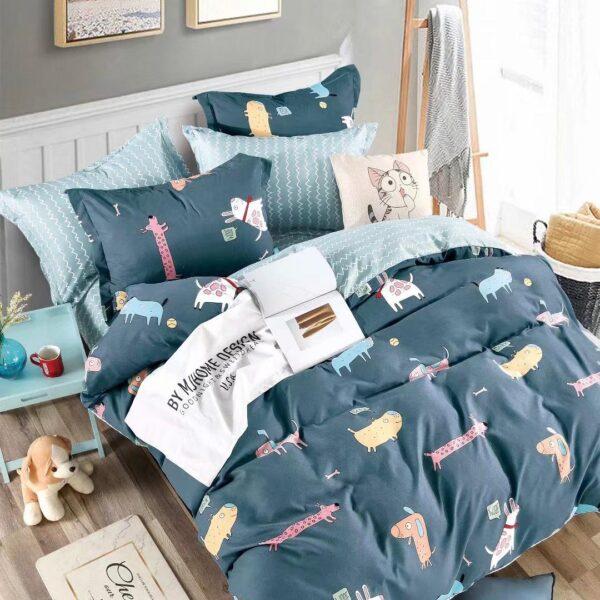 lenjerie albastra cu catelusi