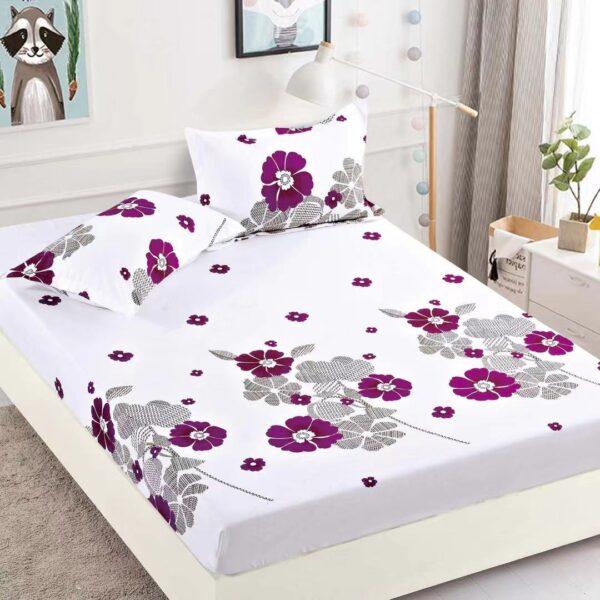 husa de pat alba cu flori mov