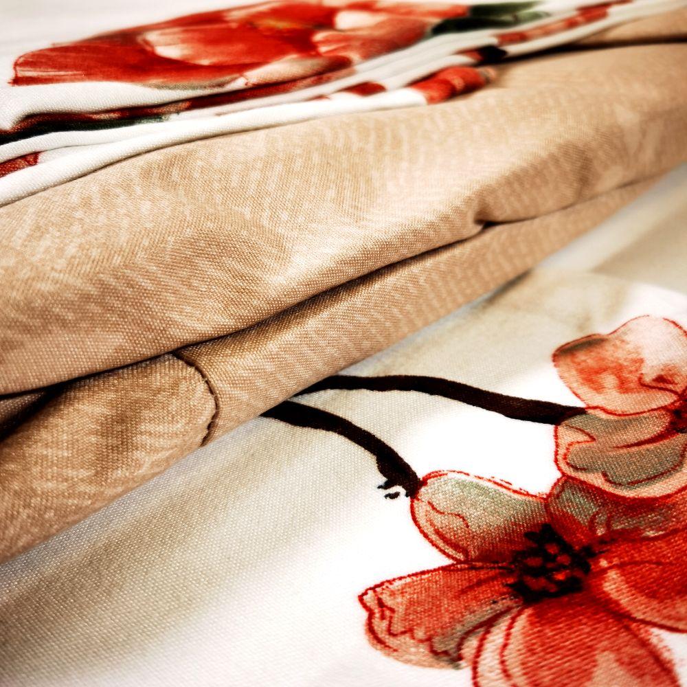 lenjerie-cu-flori-rosii