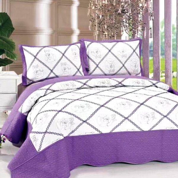 Cuvertura de pat alb cu violet