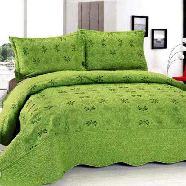 Cuvertura de pat verde cu fete de perna