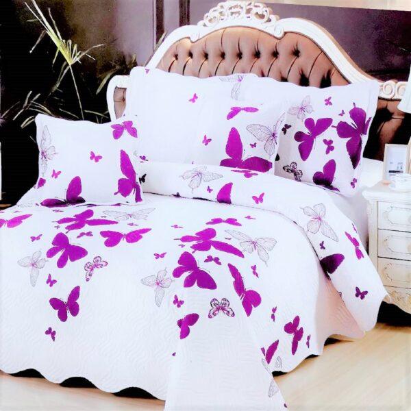 cuvertura de pat alba cu fluturi mov