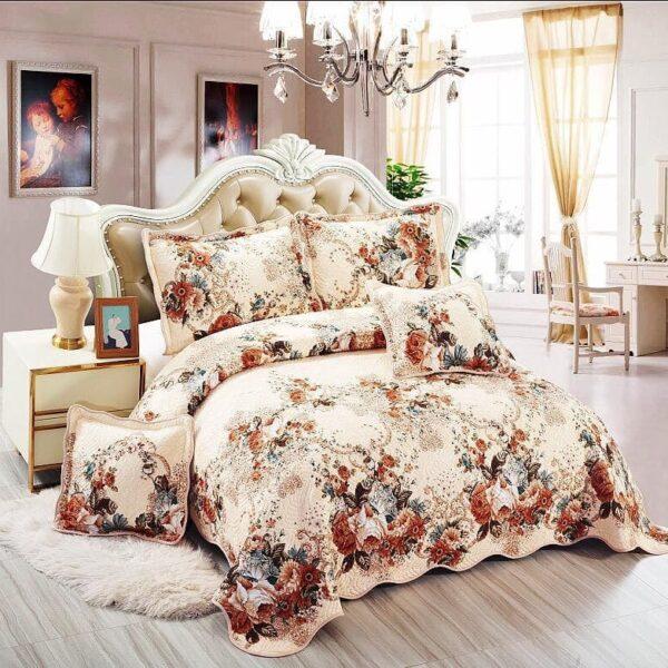 cuvertura de pat crem cu flori