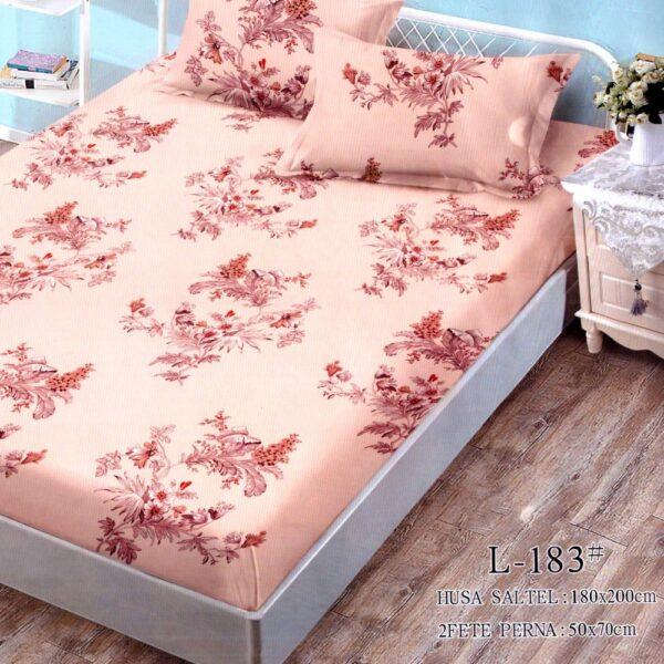 husa de pat finet cu 2 fete de perna crem cu flori