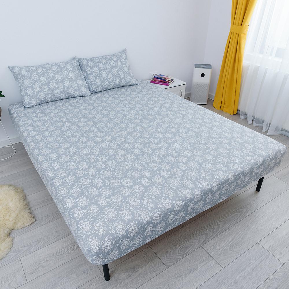 husa de pat cu elastic din bumbac 100% ranforce - gri cu flori albe