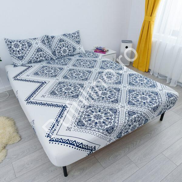 husa de pat cu elastic din bumbac 100% ranforce - ornamente albastre