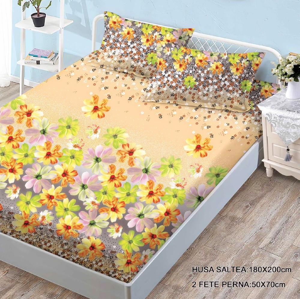 husa de pat finet cu 2 fete de perna cu flori multicolore