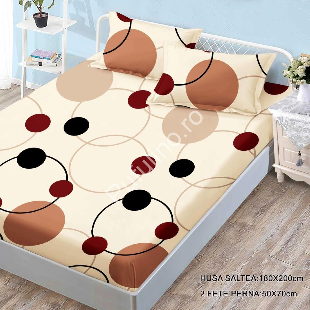 husa de pat finet si 2 fete de perna crem cu cercuri