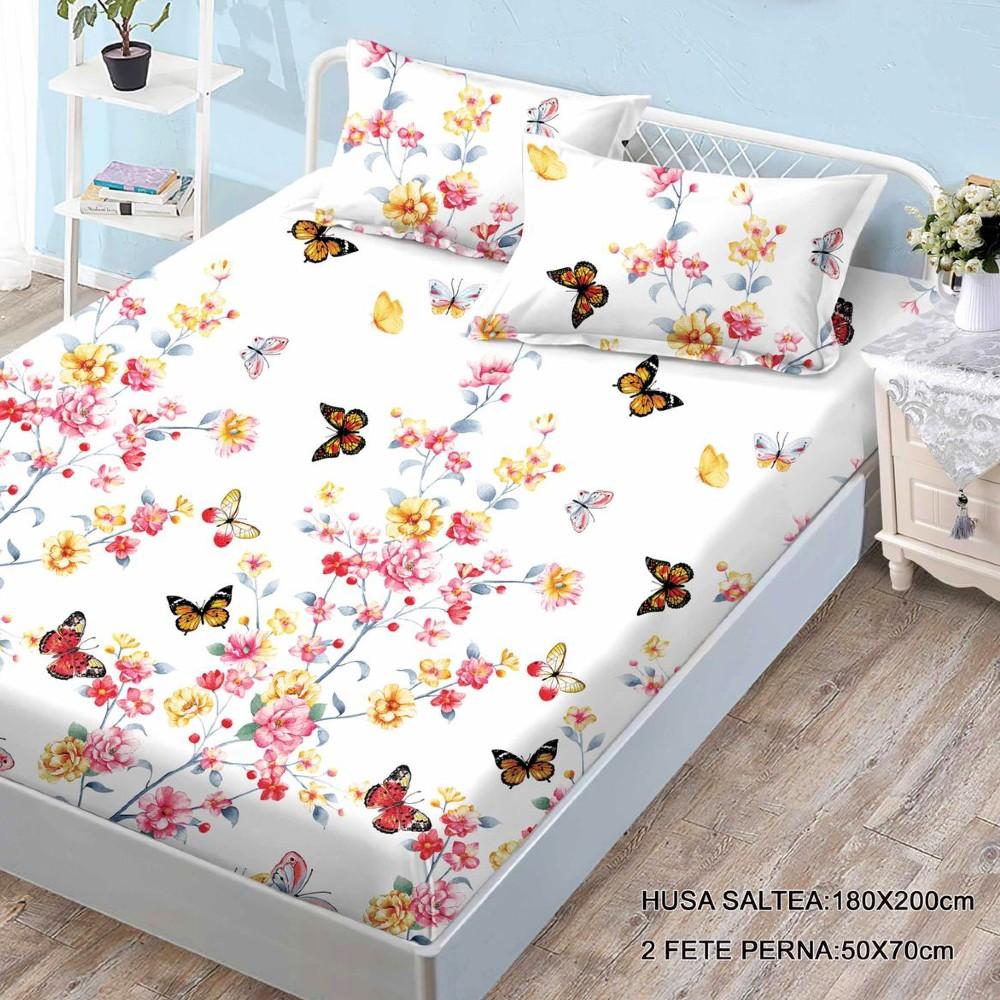 husa de pat finet si 2 fete de perna crem cu flori si fluturi
