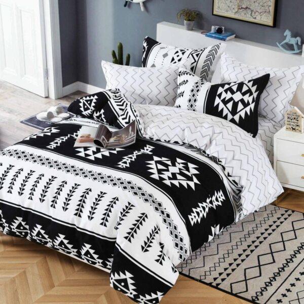 lenjerie alb negru cu ornamente