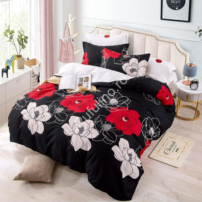 lenjerie cu elastic neagra cu flori albi-rosii