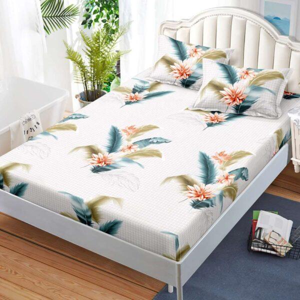 husa de pat cu elastic alba cu pene colorate