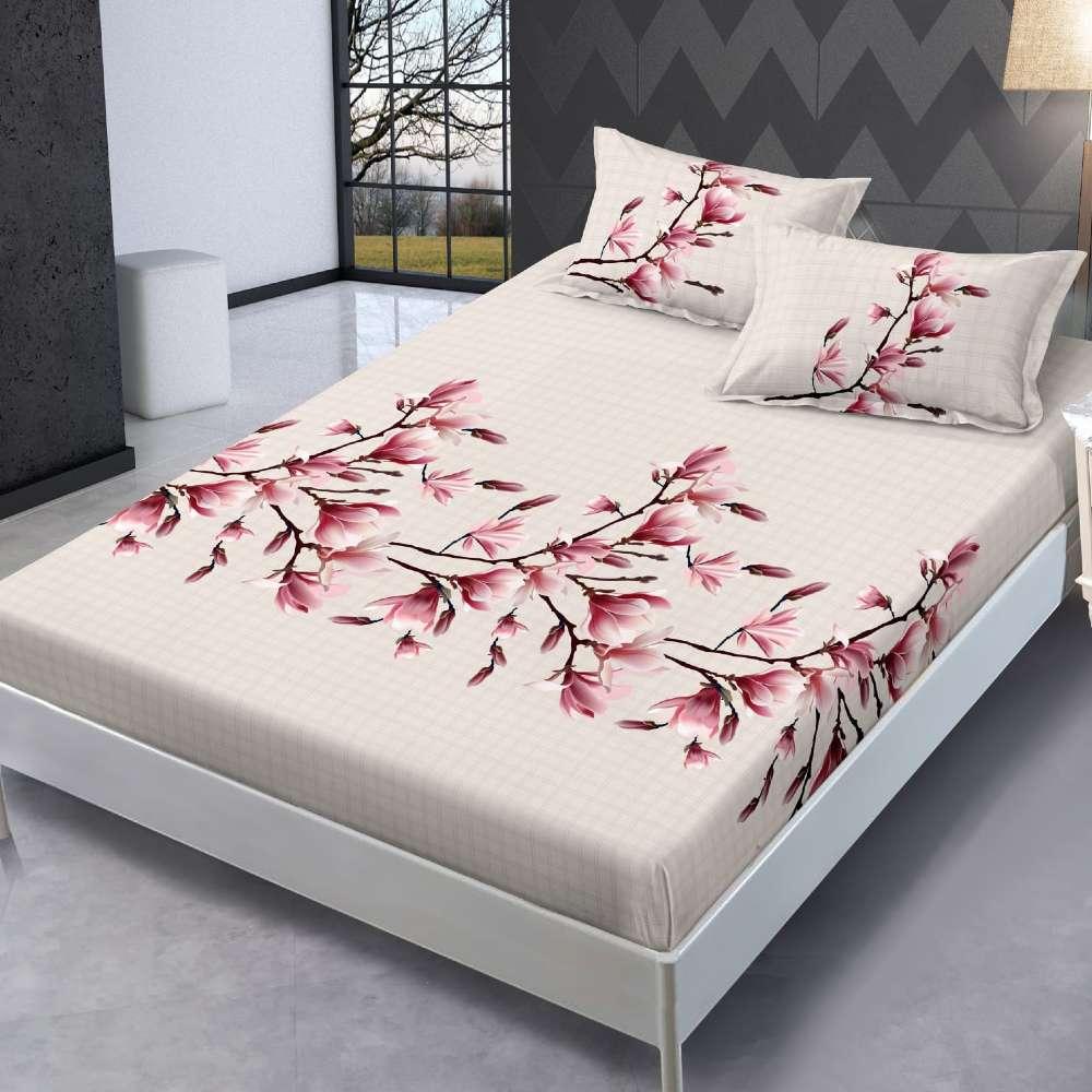 husa de pat cu elastic bej cu flori colorate
