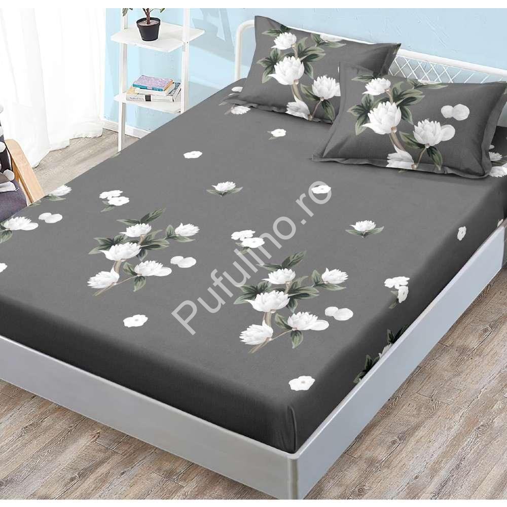 husa de pat cu elastic gri cu flori albe