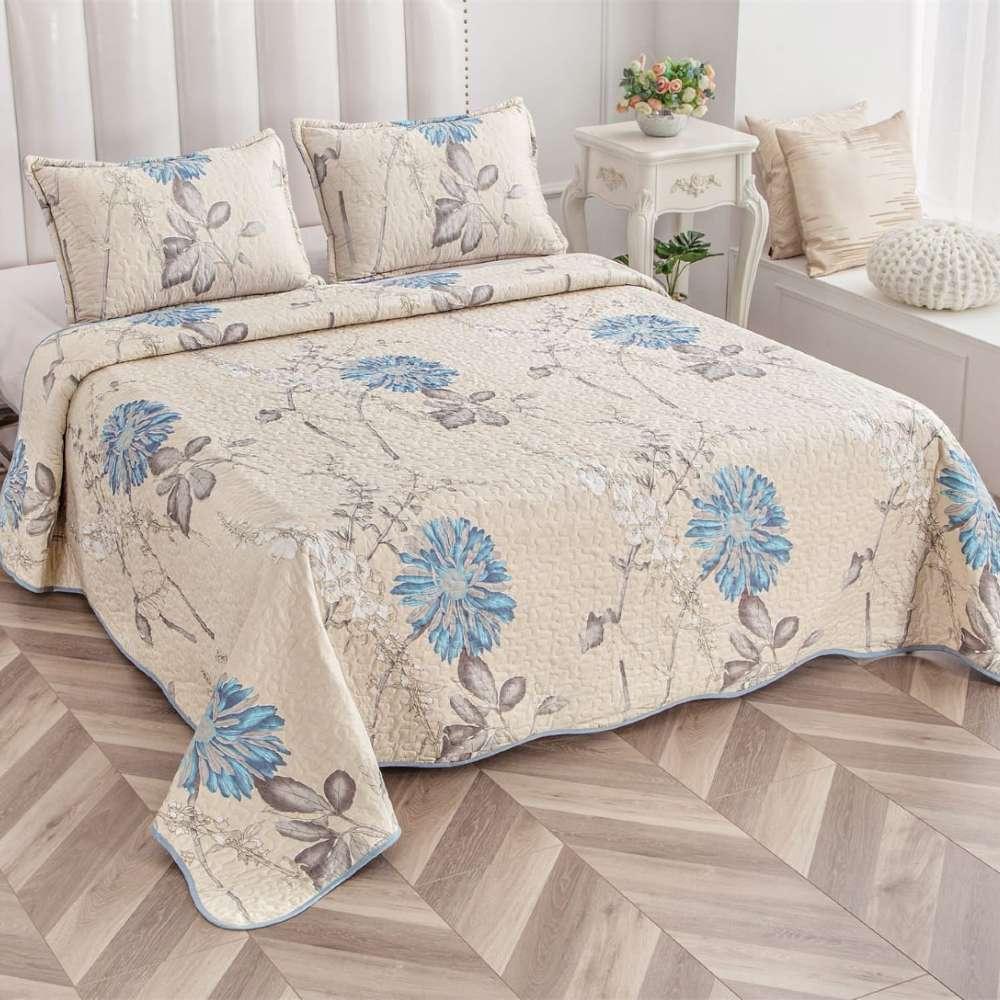 set cuvertura de pat crem cu flori albastre