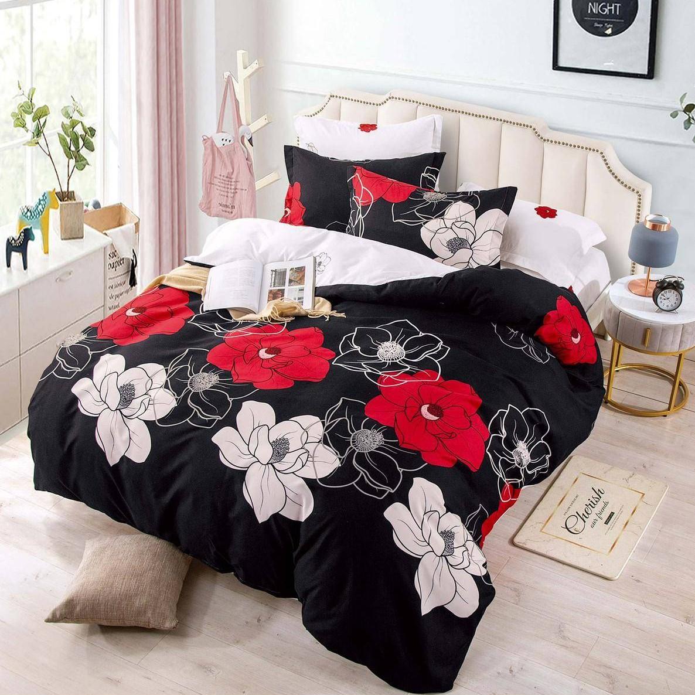 lenjerie neagra cu flori albe si rosii